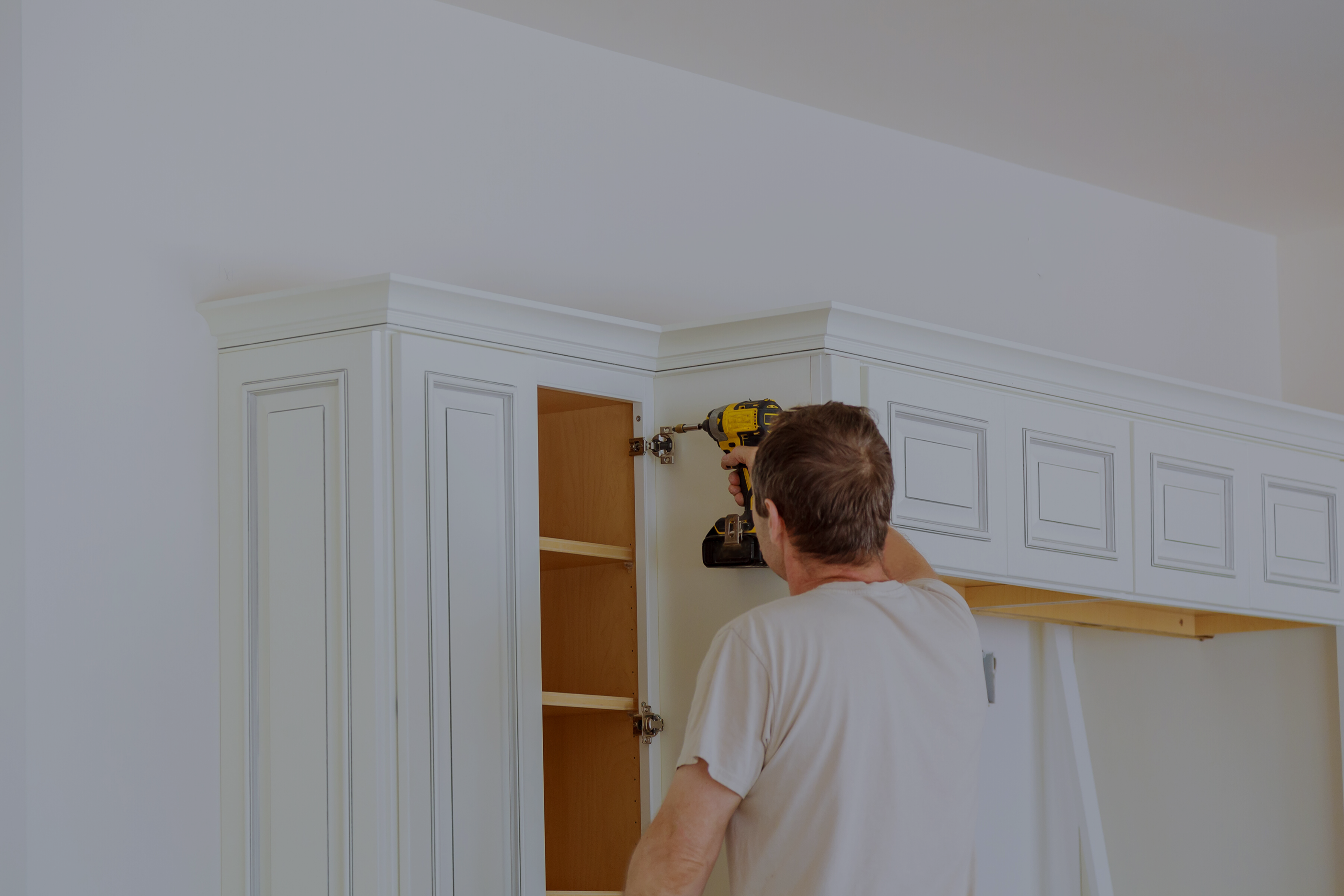 Refacing vs. Replacing your Cabinets